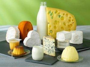 Les produits laitiers causent des intolérances au lactose et peuvent faire gonflet le ventre